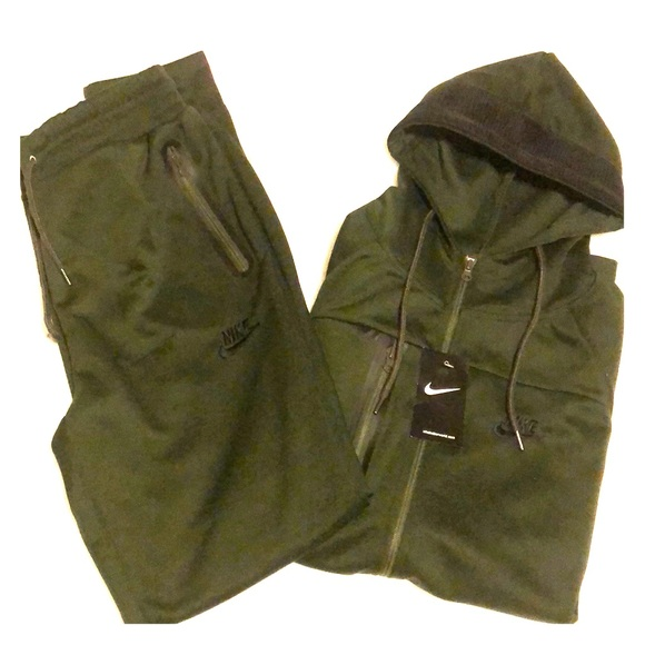 nike sweatsuit mens olive green review